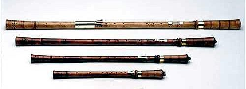 The cornamuse is a double reed instrument dating from the ...