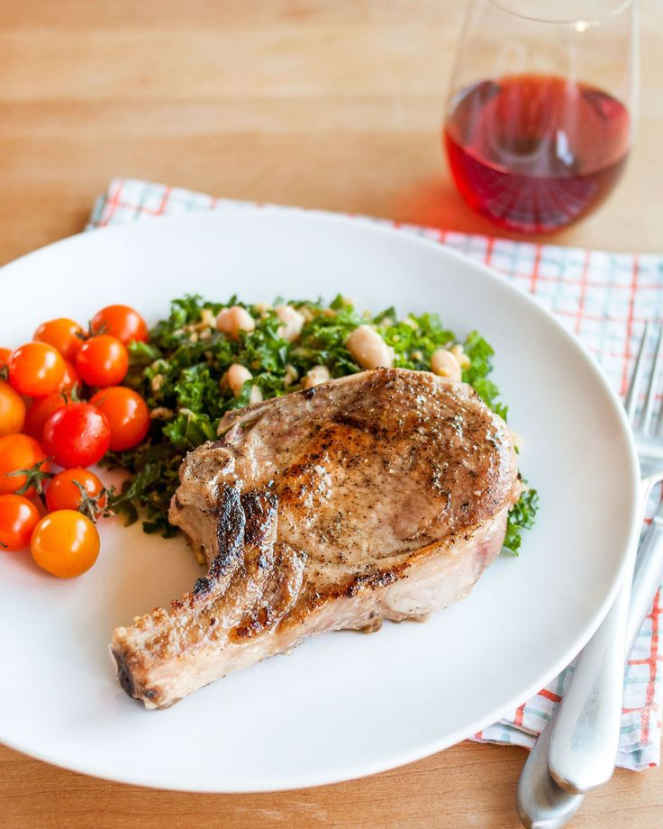 TheKitchn.com. What if I told you that I could guarantee a method for cooking perfectly tender pork chops? Brining the pork chops is one of the best ways way to guarantee a juicy cooked pork chop.