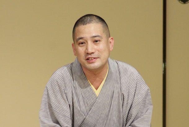 """""""Rakugo"""" is Japanese traditional comedy. Photo by 北澤壮太落語に対して「興味はあるけど、何から聴いていいかわからない……」と、いまだ躊躇している人って、実はけっ..."""