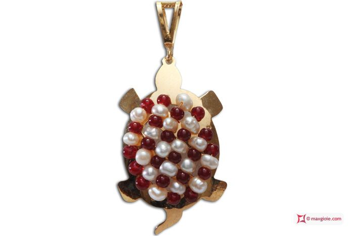 Turtle Pendant [Agate, Pearls] in Gold Plated Silver - Pendente Tartaruga [Agata, Perle] in Argento placcato Oro #jewelery #luxury #trend #fashion #style #italianstyle #lifestyle #gold #store #collection #shop #shopping  #showroom #mode #chic #love #loveit #lovely #style #all_shots #beautiful #pretty #madeinitaly