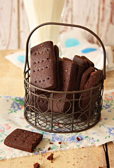 Cherry on a Cake: CHOCOLATE CREAM FINGERS