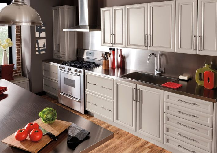 Thomasville Transitional Kitchen With Scotia Maple