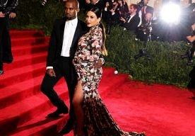 6-Jun-2013 3:57 - KIM KARDASHIAN WOEST OP AFWEZIGE KANYE. De zwangere Kim Kardashian is woest op haar vriend Kanye West omdat hij heeft gezegd dat hij niet aanwezig wil zijn in de verloskamer tijdens de…...