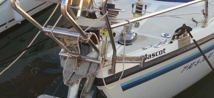 The whole anchoring structure of a charter sailboat should always be well maintained.