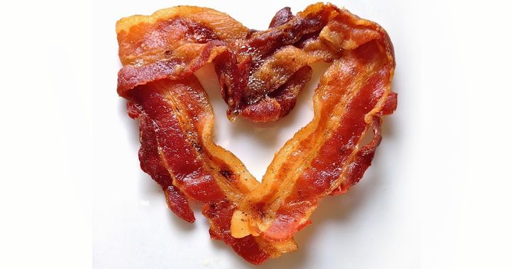 Wait, you are putting bacon on what!? #Junk #Bacon #Food #Greasy #dfgiveaway