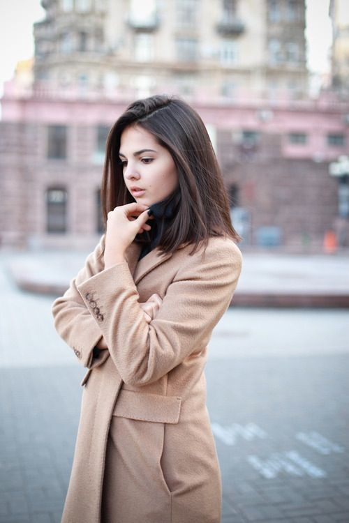 Long bob, Camel Coat