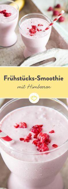 Er macht satt, er steckt voller Vitamine und er ist rosa – was willst du mehr? Der Bananen-Himbeer-Smoothie lässt dich mit Haferflocken, Früchten und cremigem Joghurt fit in den Tag starten. Außerdem kannst du ihn bequem auf dem Weg zur Arbeit oder in die