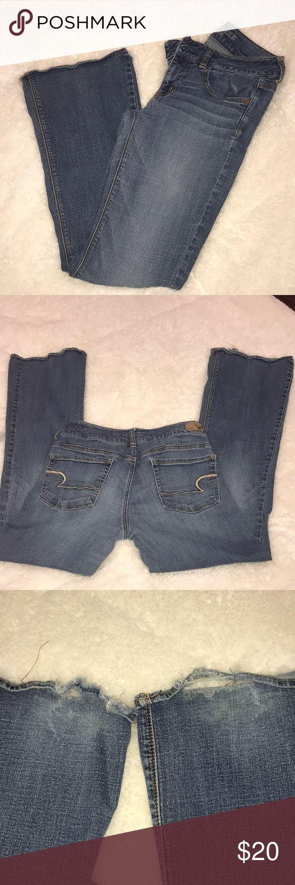 """American eagle artist super stretch jeans American eagle outfitters size 8 artist super stretch jeans,  32"""" inseam, Good used condition. Wear around cuffs but lots of life left! Regular fit jean American Eagle Outfitters Pants Boot Cut & Flare"""