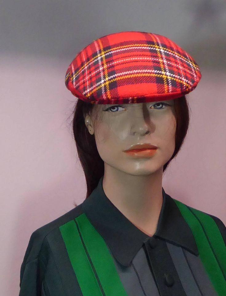 Le chouchou de ma boutique https://www.etsy.com/ca-fr/listing/567798938/casquette-plate-tartan-a