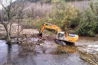 La Comisión Europea pide explicaciones sobre los dragados irregulares de los rios asturianos  http://laoropendolasostenible.blogspot.com/2015/03/la-comision-europea-pide-explicaciones.html