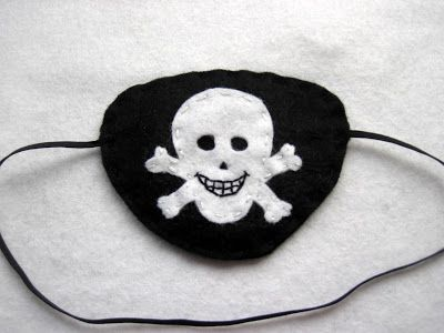 Make Your Own Felt DIY Pirate Eye Patch Tutorial from www.gracesfavours.blogspot.co.uk