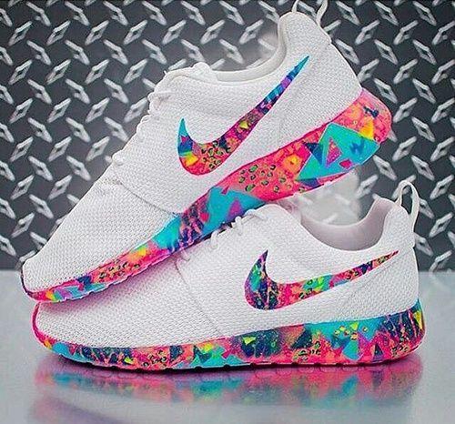 Imagem de nike, shoes, and white