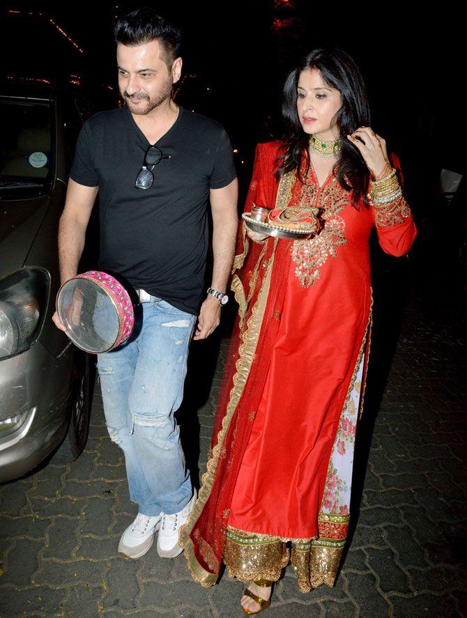 Sanjay Kapoor and Maheep Kapoor at #KarvaChauth celebrations at Anil Kapoor's residence. #Bollywood #Fashion #Style #Beauty #Hot #Desi #WAGS