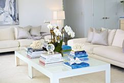 Love the use of books to decorate.
