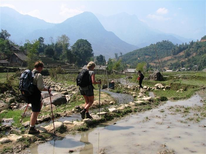 Vandreferie, trekking, rundrejser og aktiv ferie til Vietnam - Kajak, mountainbike og bestigning, Nordvietnam og Sapa, minoriteter, Halongbugten og Hanoi - Topas Travel