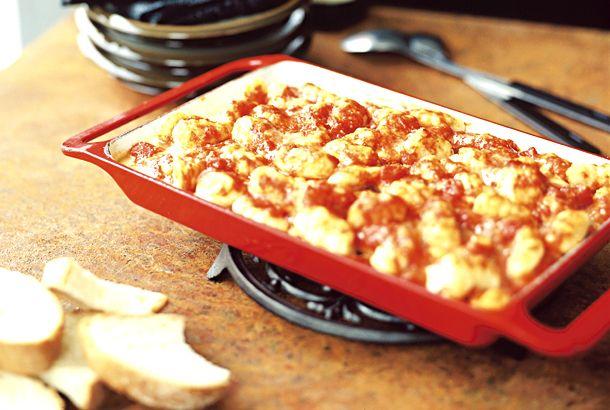 Gnocchi di patate con salsa di pomodoro, gratinati al forno | Recept.nu