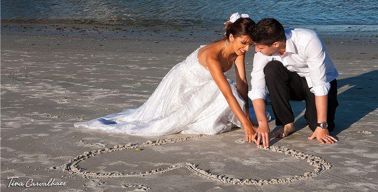 Resultado de imagem para fotos noivos na praia