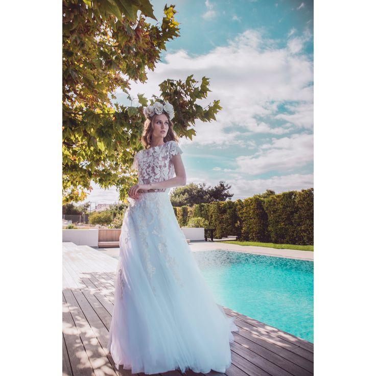 BRIDAL COUTURE S/s 2018 #maisonrenatamarmara #bridal #bride #bridaldress #nifiko #nifi #weddingdress #wedding #hautecouture #dress #bridalcouture