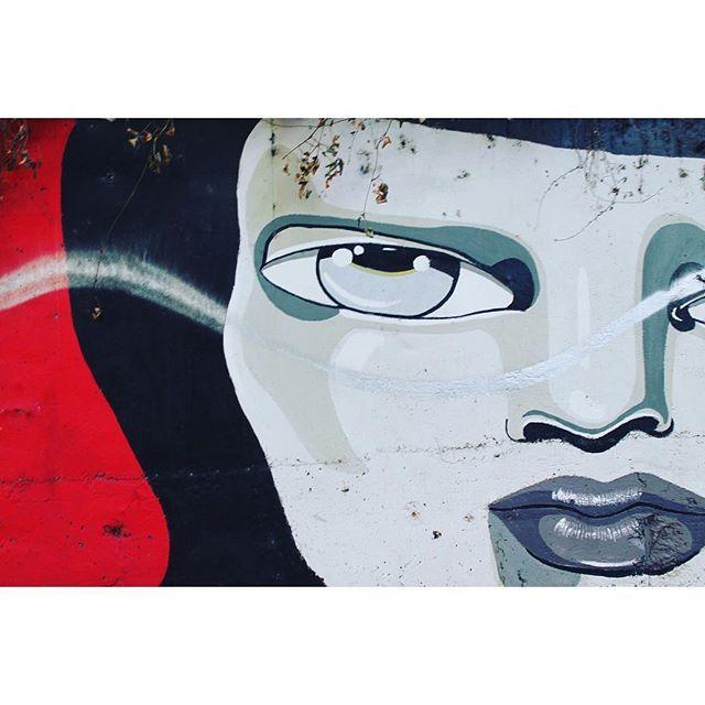 Musei a cielo aperto. #streetart #street #streetphotography #TagsForLikes #sprayart #urban #urbanart #urbanwalls #wall #wallporn #graffitiigers #stencilart #art #graffiti #instagraffiti #instagood #artwork #mural #graffitiporn #photooftheday #stencil #streetartistry #stickerart #pasteup #instagraff #instagrafite #streetarteverywhere  #snapshot #followme #follow
