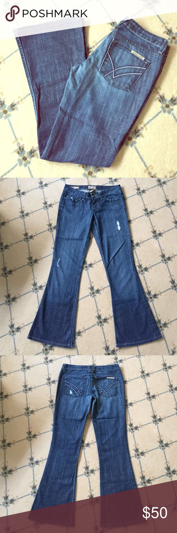 "William Rast Daisy Super Flare Jeans - Size 25 Excellent condition! William Rast Daisy Super Flare cut jeans; inseam approx. 30""; waist approx. 32.5""; size 25 William Rast Jeans Flare & Wide Leg"