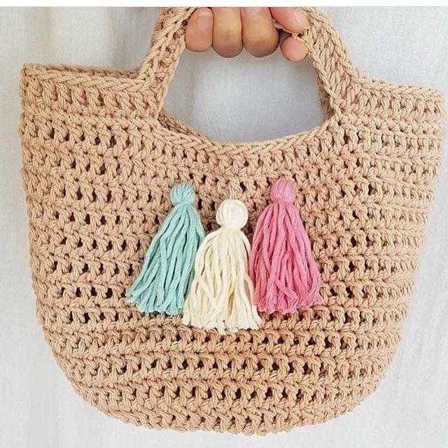 #örgü #örgüçanta #örgümodelleri #örgübattaniye #tığişi #crochet #crochetblanket #crocheting #crochetlove #crochetlover #crochetaddict #crochetbaby #baby #bebek #girl #aşk #love #izmir #istanbul #örgüaşkı #renk #rengarenk #colours #hobi #zevkli #kırlent #örgülerim #wool #knitting #knittersofinstagram 🌷