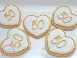 Biscotti 50 anniversario di matrimonio |  50th anniversary cookies http://blog.giallozafferano.it/crociedeliziedioriana/2016/10/torta-50-anniversario-matrimonio.html