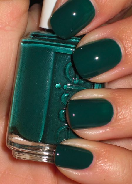 essie's 'going incognito'. Winter color. great christmas green