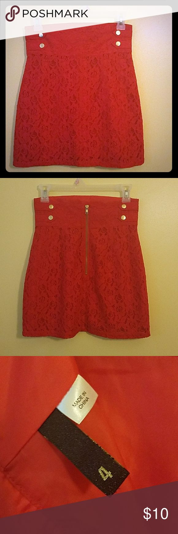 EUC DIVIDED BY H&M WOMEN'S RED LACE SKIRT SIZE 4 EUC DIVIDED BY H&M WOMEN'S SEXY RED LACE SKIRT SIZE 4, EMBELLISHED WITH GOLD BUTTONS ON THE SIDES OF THE SKIRT, GOLD ZIP UP BACK, SHELL-75% COTTON, 25% POLYAMIDE, LINING-100% POLYESTER Divided Skirts Midi