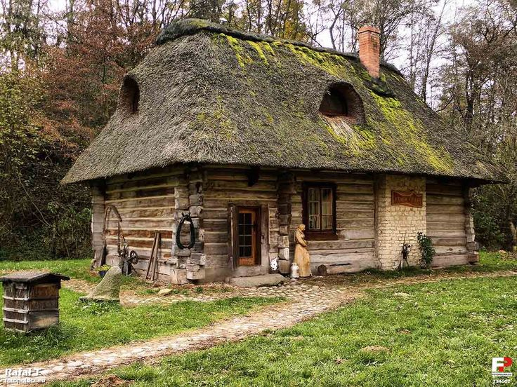 """Stara Chata"" in Kazimierz Dolny. 17th century Polish cottage has been preserved thanks to the efforts of the Kobiałków and Niezabitowski families."