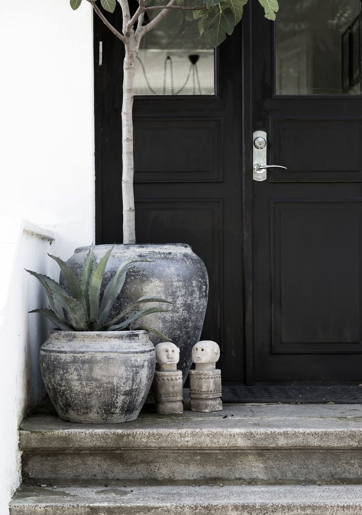 LW URNS & STONE MEN - AW 16/17 collection of Pots and Urns - HOME DECO. Co op - LW Friend - Boheme deluxe - styling and home: Jenny Hultgren photo: Therese Romell