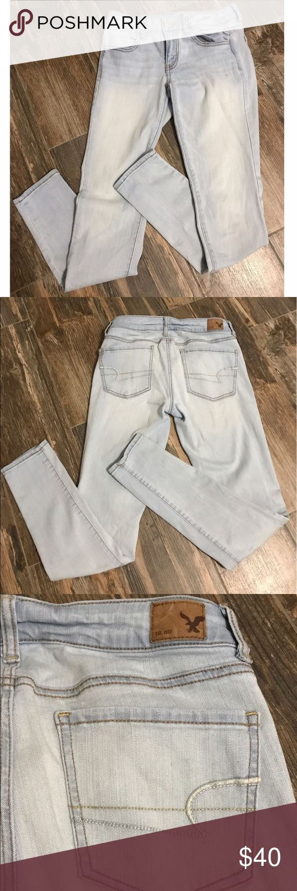 American Eagle Light Wash Size 4 Jeggings These jeggings are real jean material! NWOT --- worn twice -- fit more like a 2, tighter fit --- no trades •• price is firm American Eagle Outfitters Jeans Skinny