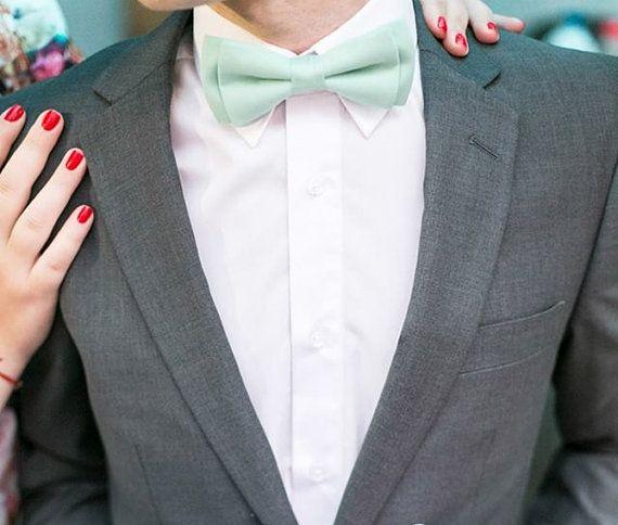Menthe verte noeud papillon - la main menthe pastel bow tie - coton noeud papillon hommes - cadeau de garçons d'honneur mariage menthe clair noeud papillon pour lui