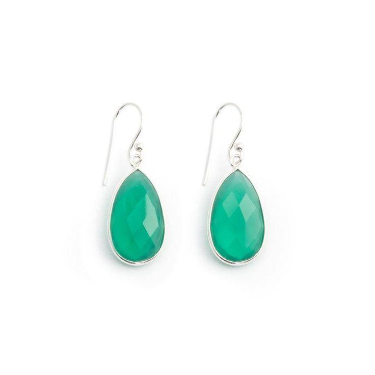 Druppelvormige groene oorbellen met onyx edelstenen in sterling zilver