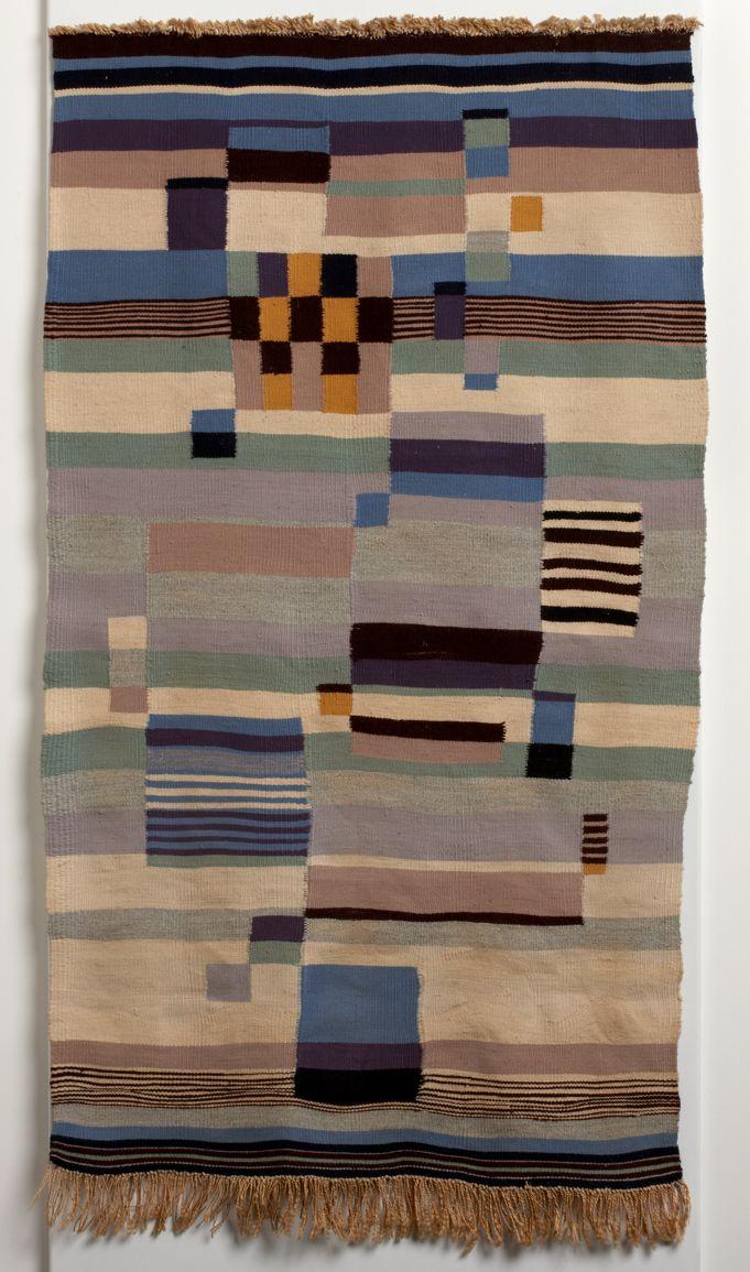 Benita Koch-Otte wall hanging 1923/24, dyed wool, 146 x 80 cm, Galerie Ulrich Fiedler, Berlin, © Private Collection / Courtesy Galerie Ulrich Fiedler, Berlin, © estate Benita Koch-Otte, from Bodelschwinghsche Foundation Bethel