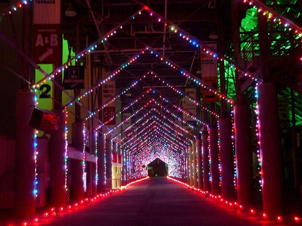 ten popular holiday festivals and christmas light displays to enjoy across the southeast u speedway in lights bristol motor speedway