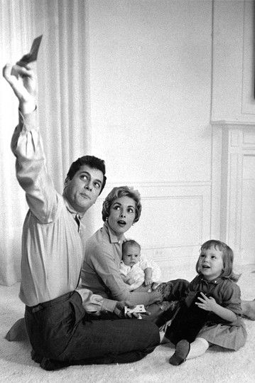 Tony Curtis, with wife Janet Leigh, baby Jamie Lee Curtis, and daughter Kelly,1959
