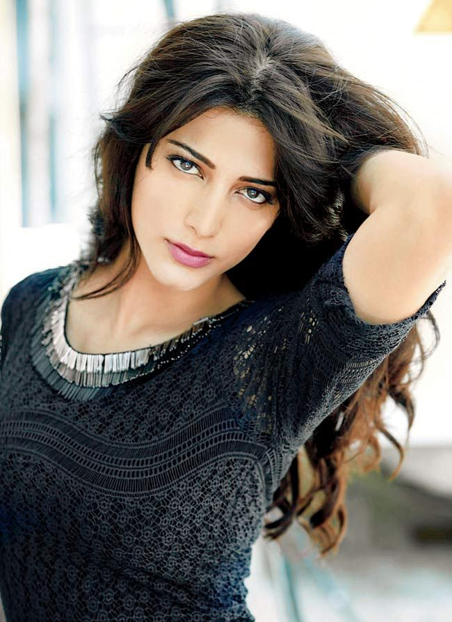 Shruti Haasan; hair; bangs