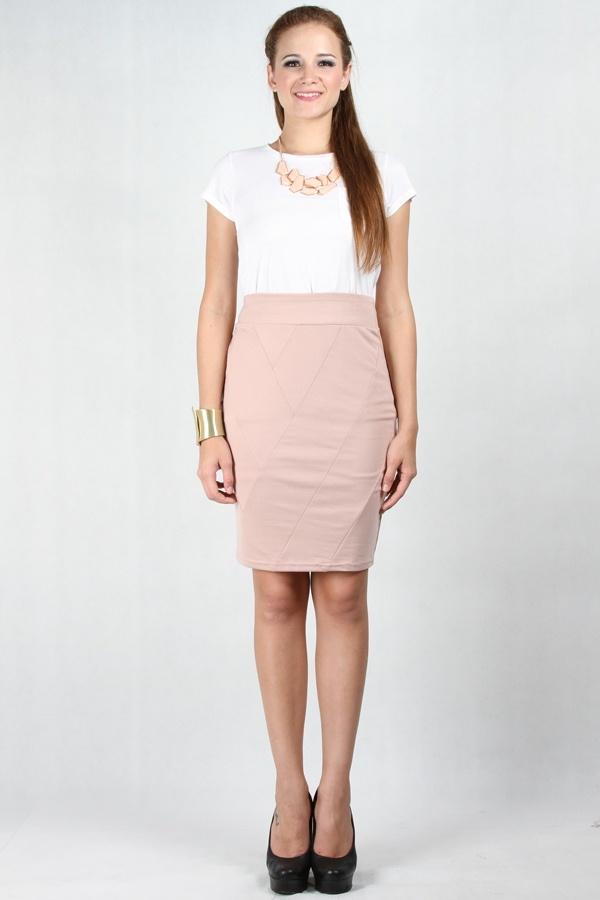Rok model A -Line seringkali menjadi pilihan utama busana kantor. Kali ini, pilih warna soft, dengan begitu penampilan Anda bisa terlihat lebih FRESH. www.pinkemma.com