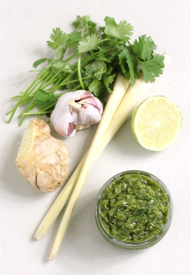 Homemade Thai green curry paste - using almost entirely ingredients that I already had in my kitchen!