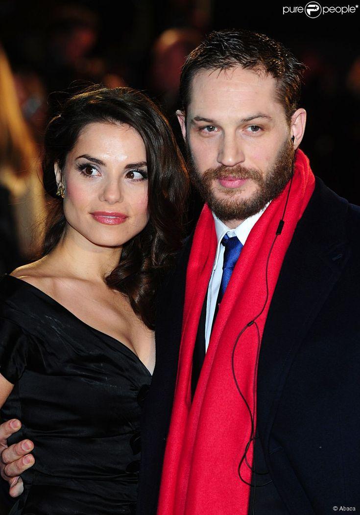 Tom Hardy et sa compagne Charlotte Riley à la première de 'This Means War' à l'Odeon Kensington High Street de Londres le 30 janvier 2012