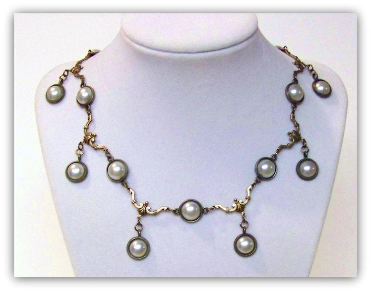 Medieval Necklace - Medieval Jewelry - Tudor Necklace, Renaissance Jewelry, Tudor Replica, Jane Seymour Replica, Tudor Jewelry, Anne Boleyn by TreasuresForAQueen on Etsy https://www.etsy.com/listing/203319061/medieval-necklace-medieval-jewelry-tudor