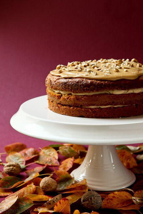 http://photo-copy-ann.blogspot.com/2011/10/vederlichte-koffie-walnotencake.html  Voor het recept (sorry is alleen in het Nederlands)