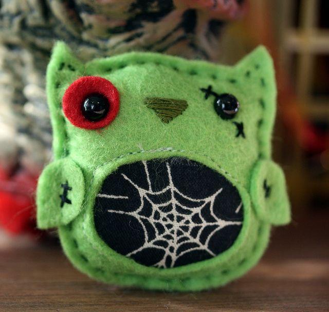 Zombie felty owl