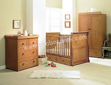 Kamar Set Bayi Minimalis Warna Coklat yang terdiri sari item furniture untuk baby bunda di antaranyaBox Bayi,Baby Tafel,lemari baju bayi, yang tentun