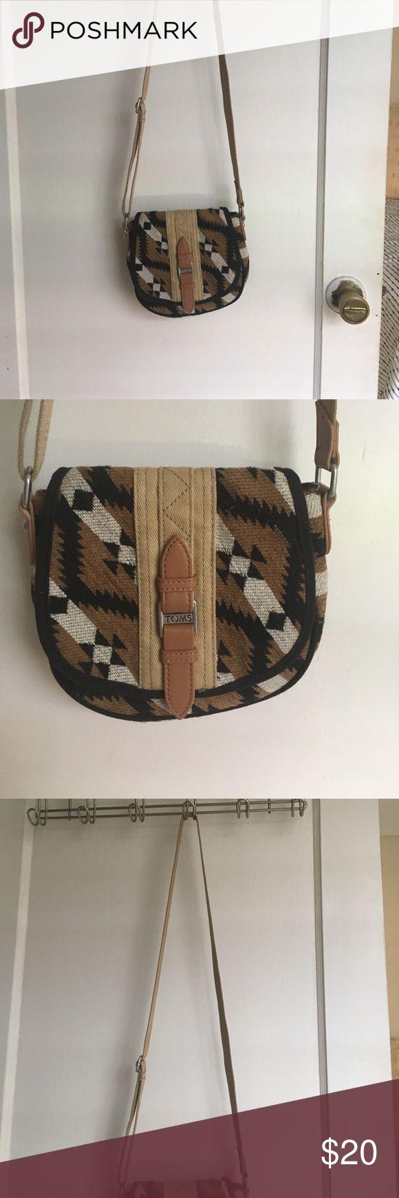 Toms cross body aztec bag Toms cross body, aztec design, fabric bag. Great condition Toms Bags Crossbody Bags