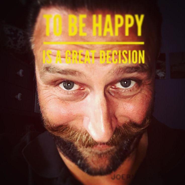 Tonne #happy is a great decision right? Finde immer einen Weg schnell wieder aus einer unzufriedenen Situation heraus zu kommen. Mach Dir täglich morgens bewusst welche Dinge Dich glücklich machen. ZB die Frage : Für welche 3 Dinge bin ich gerade dankbar? Wer liebt mich? Wen liebe ich? #herzblut