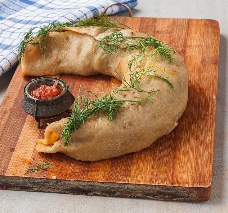 Pierekawecznik to tradycyjny świąteczny wypiek polskich Tatarów. Do dziś popularny na Podlasiu i zarejestrowany jako polski produkt tradycyjny. Stare porzekadło mówi o pierekaczewniku, że łatwiej go zjeść,