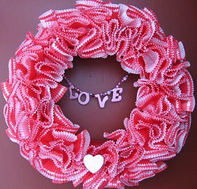 Valentine WreathValentine Crafts, Crafts Ideas, Cupcakes Liner, Wreaths Patternshmattern, Cups Wreaths, Beads, Valentine Wreaths, Baking Cup Wreath, Baking Cups