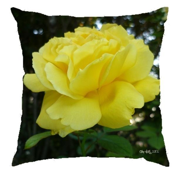 """Coussin """" Rose jaune """" 40x40cm"""