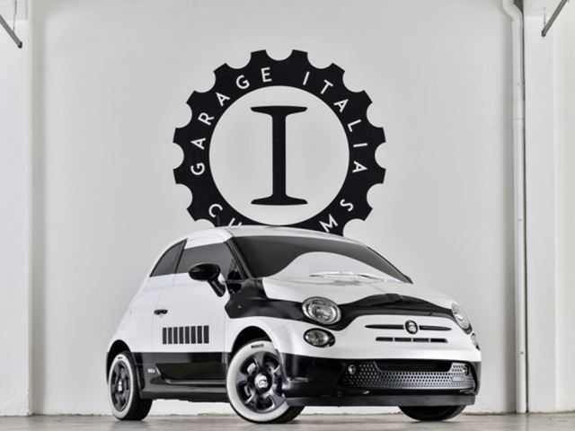 La Fiat 500e si trasforma in uno Stormtrooper per omaggiare il nuovo film di Star Warrs!
